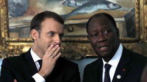 Frankrikes president Emmanuel Macron och Elfenbenskustens president Alassane Ouattara