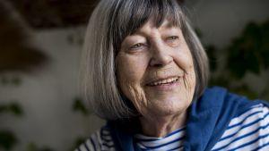 Margareta Magnusson i randig tröja porträtt.