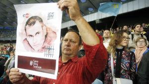Demonstration till förmån för den fängslade ungerska filmaren Oleg Sentsov