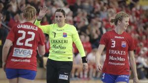 Dickenspelarna Gammals, Koskinen och Salokivi under handbollsfinalerna 2018.