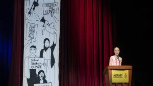 Greta Thunberg höll tal på Amnesty-ceremoni.