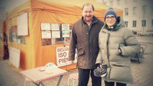 Roy Andersson ja Marjut Tervola torikahveilla