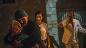 Scen från Unga teaterns pjäs Mördarens apa