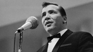 Eino Grön esiintymässä SML:n juhlakonsertissa vuonna 1968.
