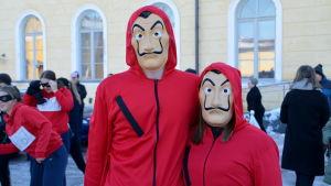 Abiturienter från Borgå gymnasium firar penkis