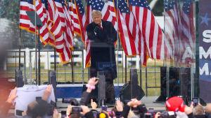 Presidentti Donald Trump puhui loppiaisena Washingtonissa kannattajilleen ennen väkijoukon hyökkkäystä kongressiin.
