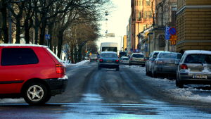 Biltrafik i vintrigt Vasa