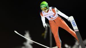 Antti Aalto hoppar i Ruka