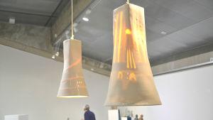 Lampskärmar i keramik av Elina Sorainen