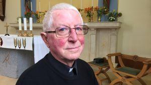Katolska prästen Alex Adkins