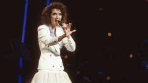 Celine Dion vuoden 1988 Euroviisuissa, jotka hän voitti.