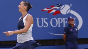 Flavia Pennetta säkrar semifinalplats i US Open.