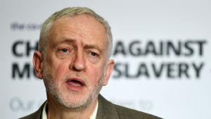 Labourledaren Jeremy Corbyn är en av de politiker som har fokuserat på kampen mot modernt slaver. Han talade i mars inför inbjudna lokala myndigheter om hur man upptäcka och motarbeta tvångsarbete