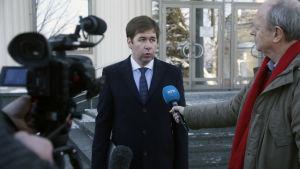 Bergs ryske försvarsadvokat Ilja Novikov intervjuades utanför domstolen i Moskva den 23 januari.