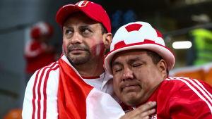 Peruanska fansen var nedstämda efter förlusten mot Frankrike i fotbolls-VM 2018.