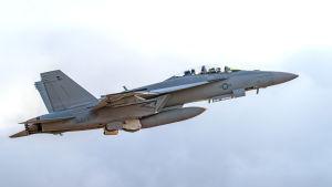 F/A-18F Super Hornet nousussa Satakunnan lennoston kentältä Pirkkalassa.