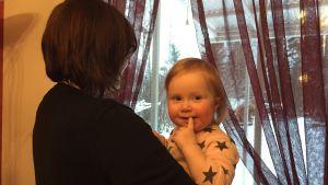 Marika Häggback med dotterna Amanda.