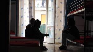 Nigerianska offer för människohandel på ett skyddshem i Catania.