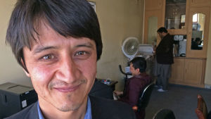 "Zaki Daryabi, chefredaktör på den lilla hårtslående tidningen ""Etilaat Roz"""