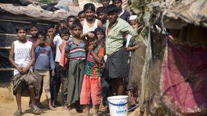 Rohingyer i ett flyktingläger i närheten av staden Cox's Bazar, i sydöstra Bangladesh, den 6 februari 2018.