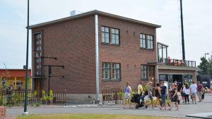 "huset ""bunkkeri"" på bostadsmässan i Björneborg."