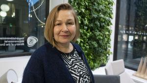 Outi Honkatukia, ilmastoasioiden päätutkija ympäristöministeriö