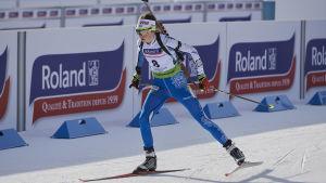 Heidi Kuuttinen åker i väg