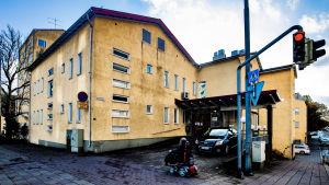 bild på fasaden av åbolands sjukhus