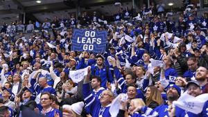 Torontos supportrar på läktaren i lagets hemmaarena.