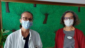 Läkaren Jessica Löf och sjukhusmusiker Anna Brummer utbyter tankar om musiken inom den palliativa vården på Storkärrs sjukhus. 2021.