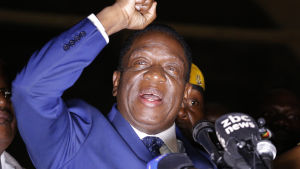 Emmerson Mnangagwa håller tal i maktpartiets Zanu PF:s lokal i Harare den 22 november 2017.