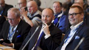 Kai Turunen, Sampo Terho och Matti Torvinen vid Blå framtids kongress i Tammerfors.
