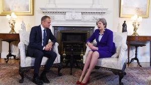 EU:s permanente rådsordförande Donald Tusk på besök hos Storbritanniens premiärminister Theresa May på 10 Downing Street, torsdagen 1.3.2018.