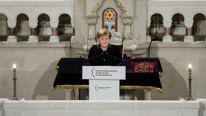 Angela Merkels tal under minnesstund för kristallnattens 80-årsdag i Berlin.