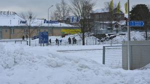 järnväg och snö