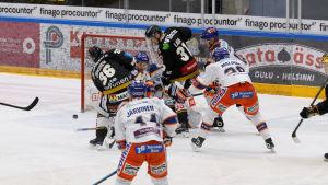 Jussi Jokinen gör sitt första ligamål efter comebacken i Kärpät.