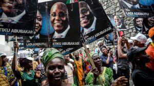PDP-anhängare under ett valmöte för Atiku Abubakar i Lagos den 12 februari.