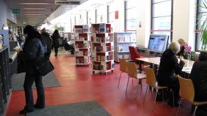 Bibliotek 10 är Helsingfors populäraste bibba.
