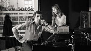 Serge Gainsbourg och Jane Birkin vid pianot