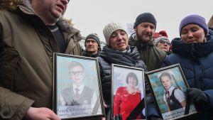 Minnesstund 27.3.2018 för de omkomna i branden i Kemerovo