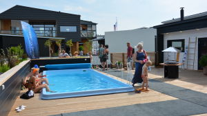 simbassäng på bostadsmässan i björneborg