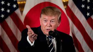 Trump höll ett tal vid en mottagning för japanska företagsledare så fort han anlänt till Tokyo på lördagen.