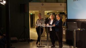 Linda Fagerudd, Anna-Maja Henriksson och Pia-Maria Sjöström talade om droger och psykiskt välmående .