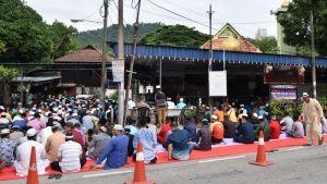 Folksamling under ramadan i Malaysia.