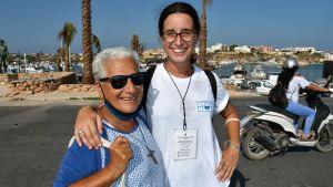 Syster Franka och Claudia Vitali från hjälporganisationen Mediterranean Hope