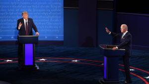 Trump ja Biden väittelevät tv-tentissä Ohiossa aamuyöllä 30.9.2020.