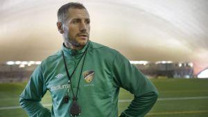 Shefki Kuqi tog över tränarposten i FC Honka våren 2014