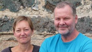 Pia Rousku-Hellgren och Frank Hellgren pustar ut efter en intensiv sommar med många hotellgäster