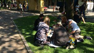 Pokémon Go-spelare i Gamla kyrkoparken