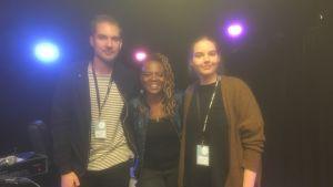 Tre basister. Jonathan Bäckström, Divinity Roxx och Emilia Lindblom möttes på Musik och Talang 2017.